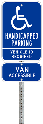 Texas handicapped parking sign with details of the penalty for offenders