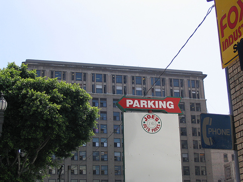 parking lot sign in los angeles